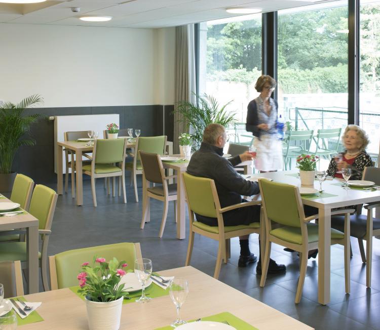 Creating Hospitality - Stephenson Garden 3 - moments furniture