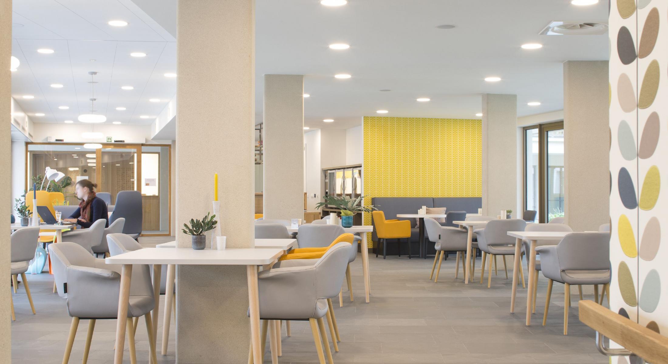 Creating Hospitality - WZC Parkhof Machelen 5 - moments furniture