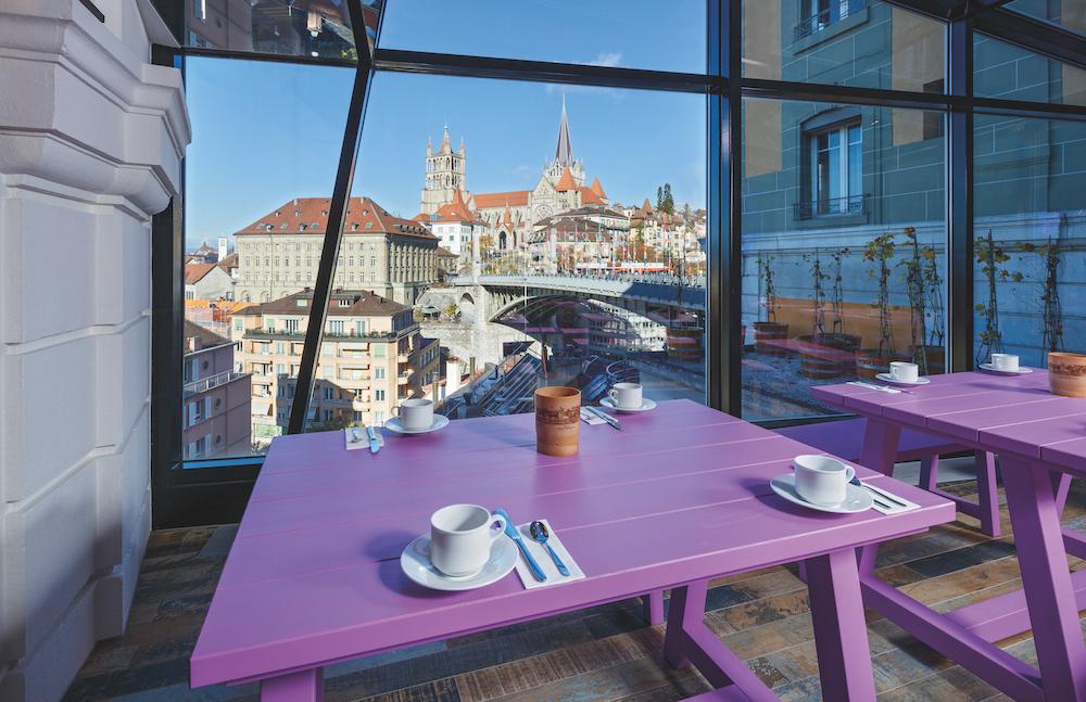 Hotel_Swiss_Wine_Lausanne_salle_panoramique_HotelFotograf.ch_011.cmyk